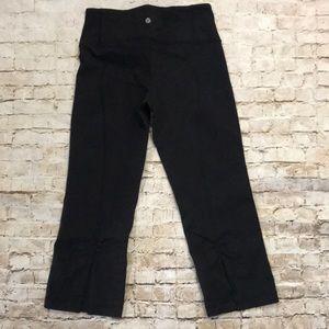 Lululemon yoga crop pants size 4